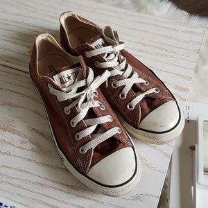 Converse Low Cut Brown Chucks